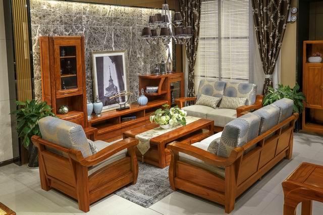 红翅木家具,色泽淡雅,纹理清晰